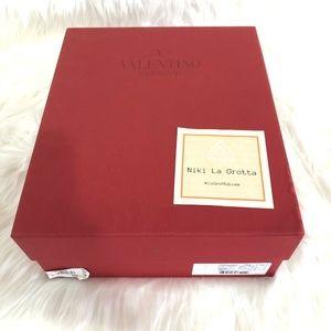 ❌ SOLD ❌Valentino Shoe Box - 12 x 10 x 4.5